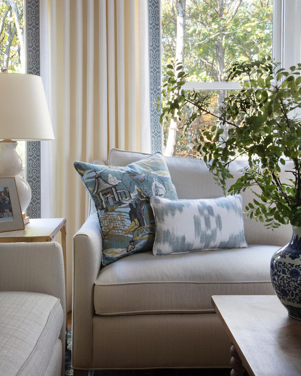 Vorher und Nachher: Ein formelles aber familienfreundliches Wohnzimmer  Elemente