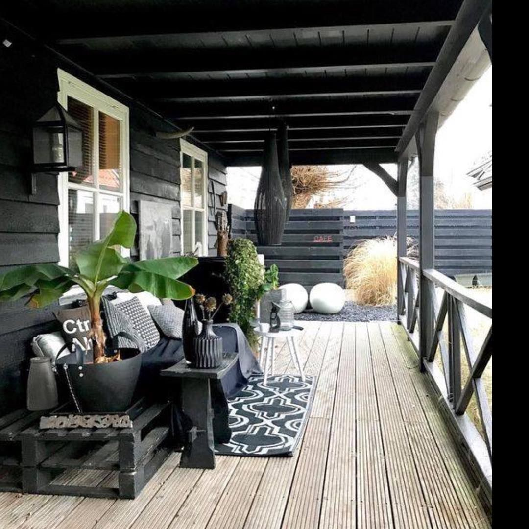 """Waschechte Nordfriesin on Instagram: """"Wir haben ja mittlerweile alle Holzteile im Garten anthrazitfarben gestrichen – die überdachte Terrasse an der Südseite ist allerdings nach…"""""""