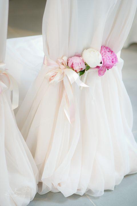Wunderschöne, zartrosa Stuhlhussen mit Pfingstrosen, Chair covers, soft rose wi…