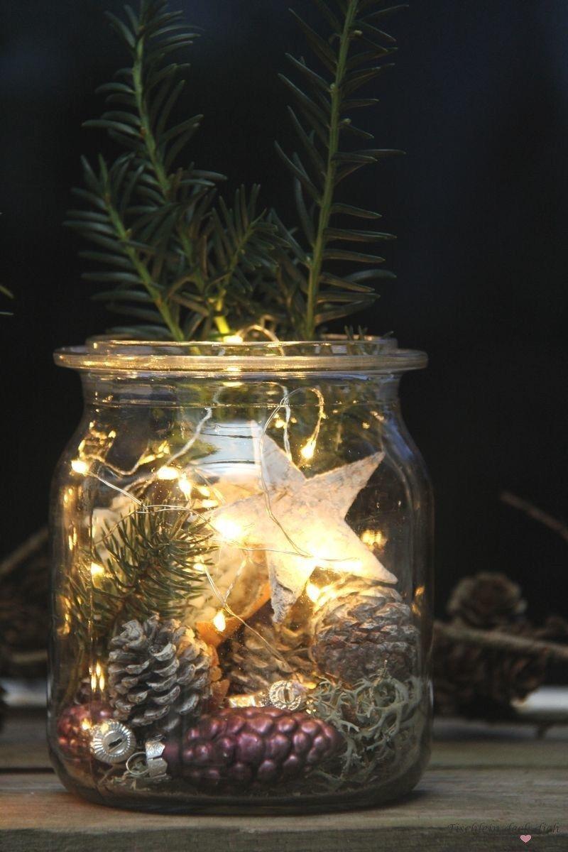 Zauberhafte Weihnachtsstimmung auf dem Balkon mit Lichterketten – Tischlein deck dich