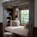 kreative einrichtungsideen wohnzimmer rustikal mit sitzecke am fensterbank - Home Decor Art