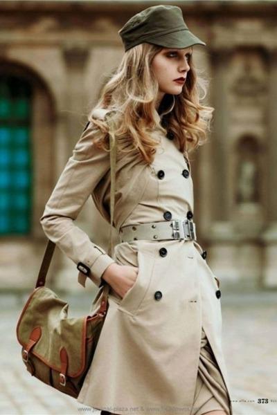 beige coat - green purse - beige belt - green hat lcokewf
