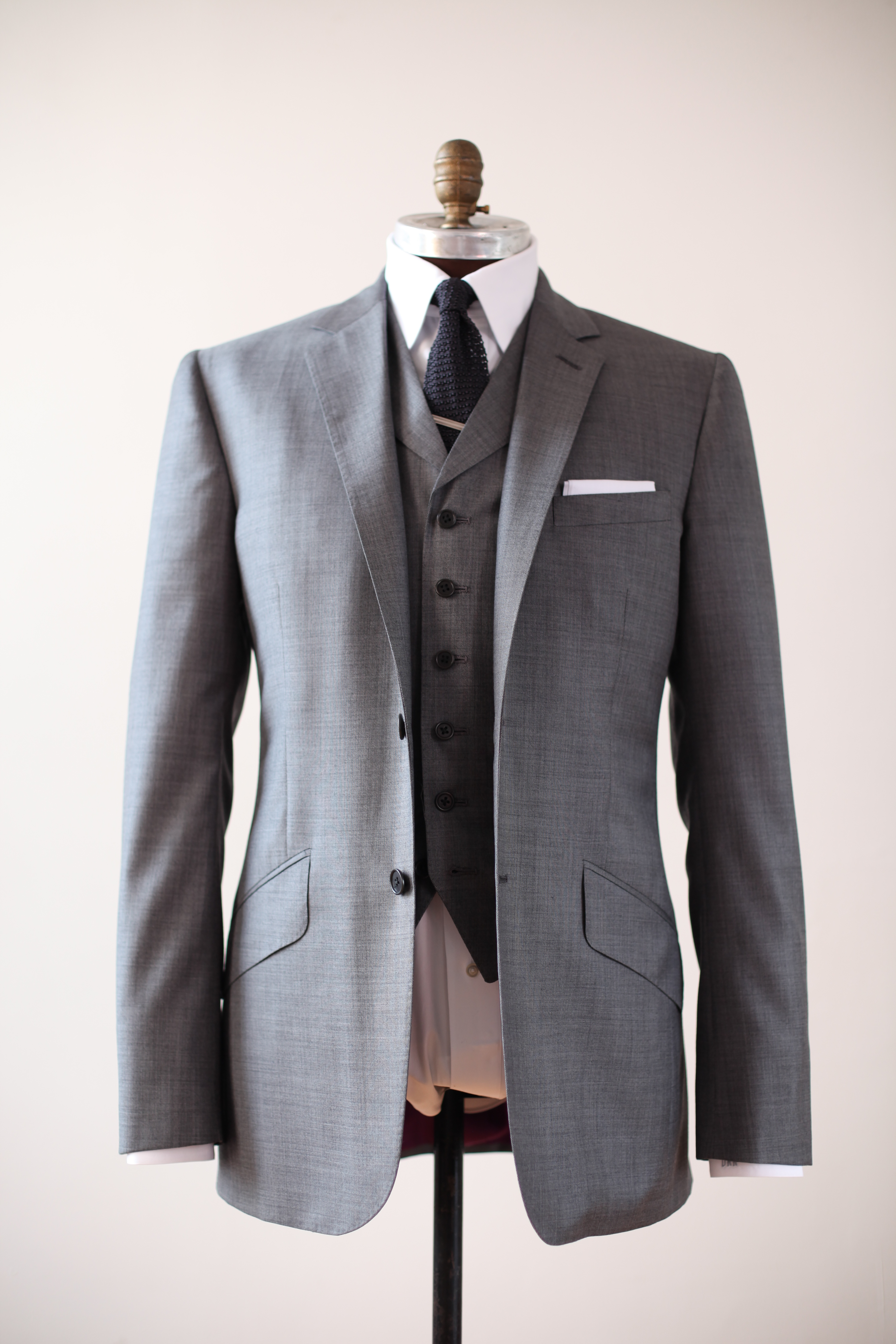 bespoke suits a reeves bespoke suit starts at $4000 with a 50% deposit to start dusosjm