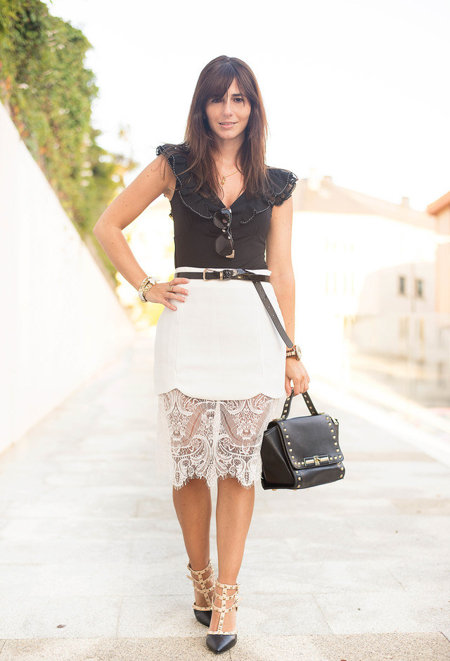 elegant outfit idea with white lace skirt rhjagci