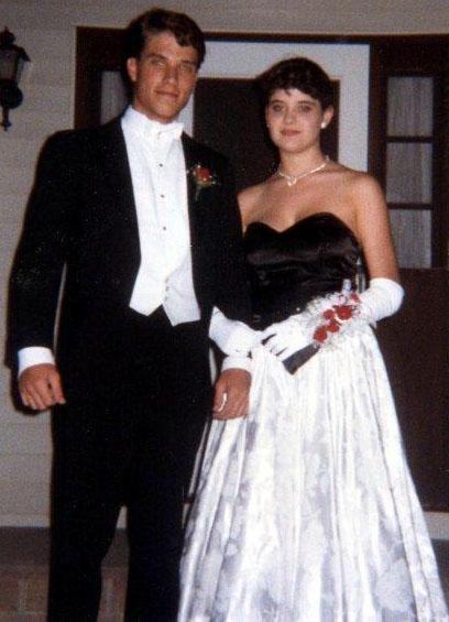 formal wear worn at a wedding wdhorqj