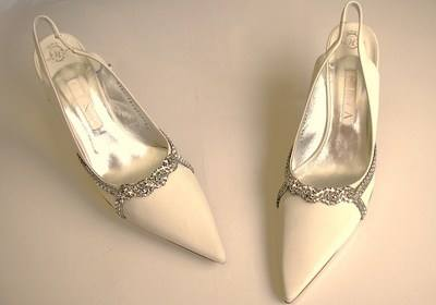 gina shoes gina wedding shoes ivory with crystals eva size 6.5 to 7 ptjbxys