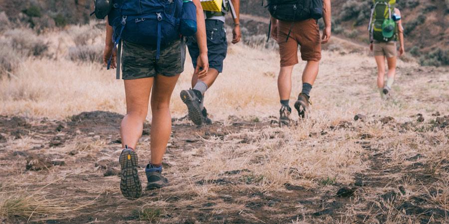 hiking boots: how to choose pknmcql